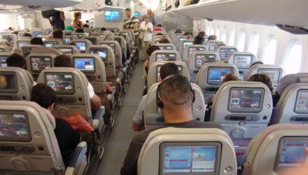 Чем можно заняться в самолете?