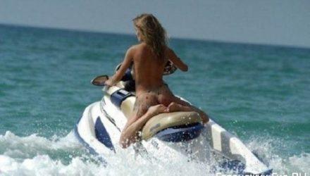 Экстремальные развлечения на пляжах Геленджика – водный мотоцикл