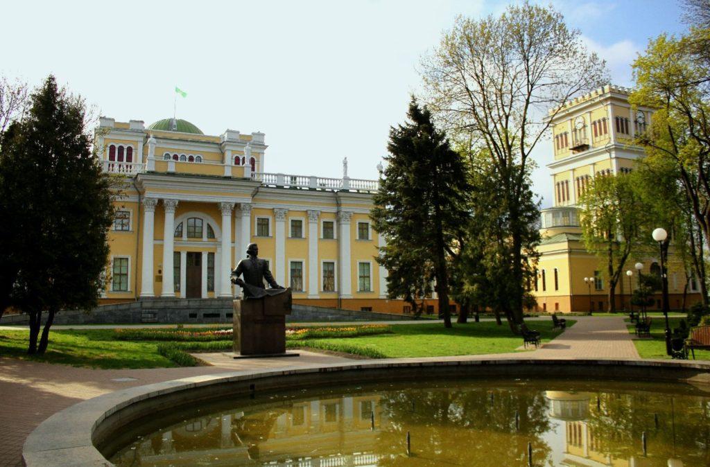 Дворцово-парковый ансамбль в Гомеле